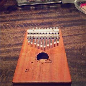 Cute mini malin a thumb piano 10 key